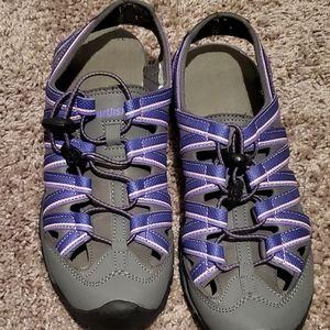 Sz 8 hiking shoes